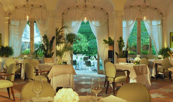 Classic Roman Elegance in Le Jardin de Russie Restaurant