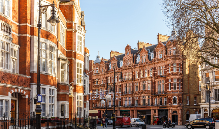 Discover the traditional shops of Mayfair favoured by the Royal family