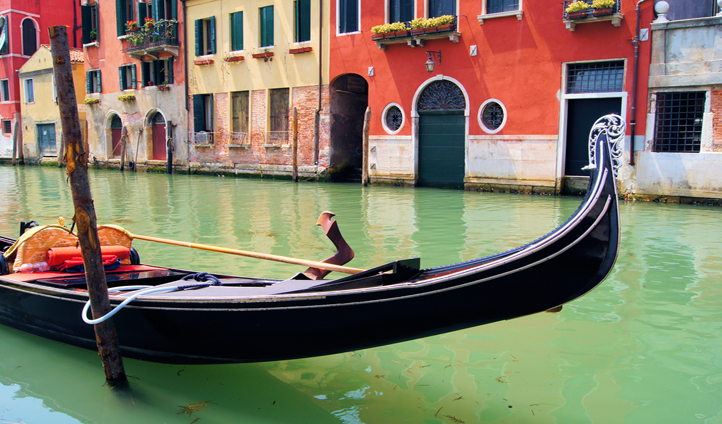 The best way to get around those Venetian canals