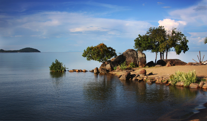 Discover secret islands in Lake Malawi