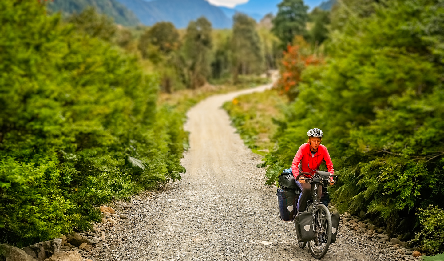 Explore Chile's natural landscapes by bicycle