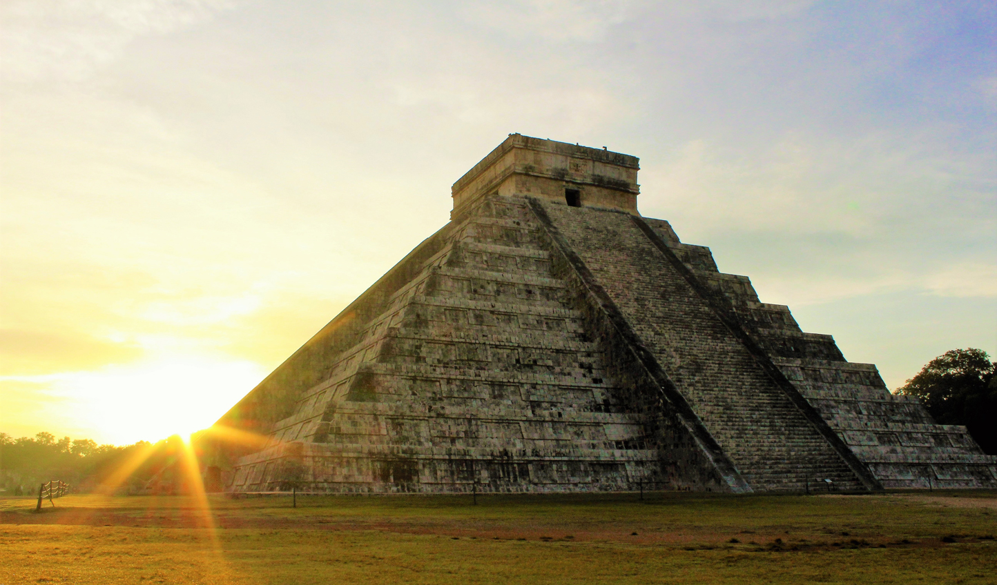 Chichen-Itza-Sunrise_585785