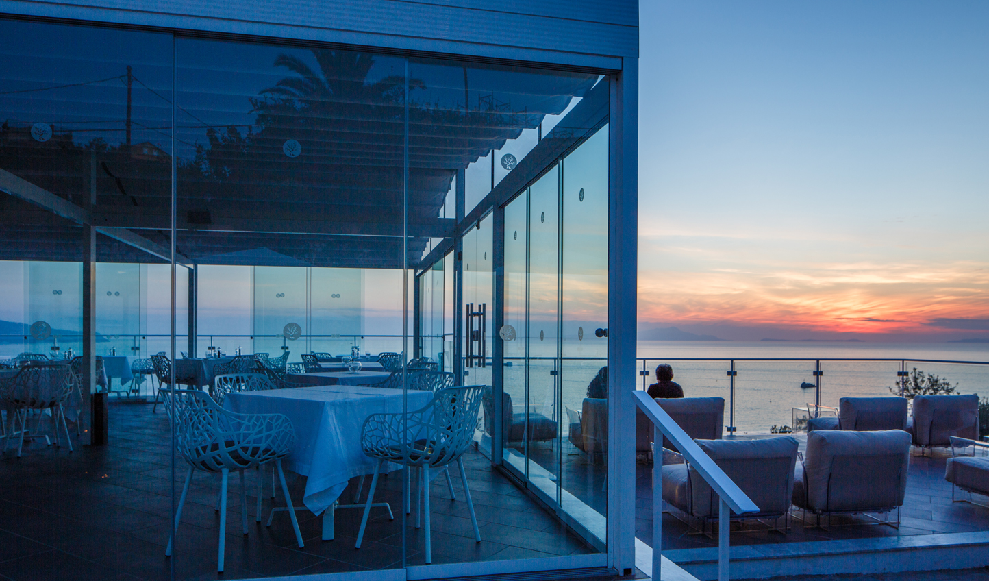 Step into the glass cube of Terrazza Fiorella