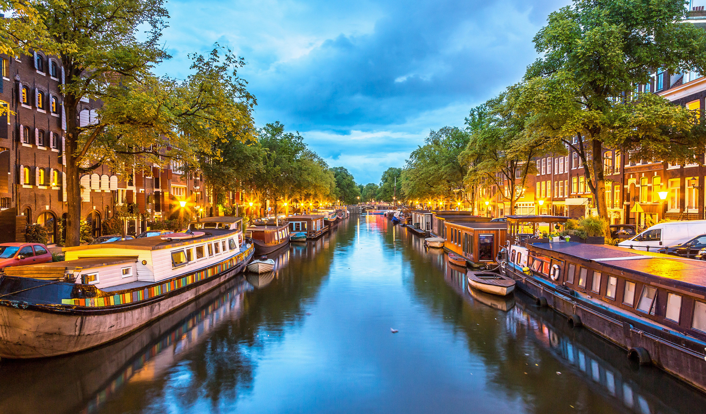 Discover an enchanting city, crisscrossed by canals