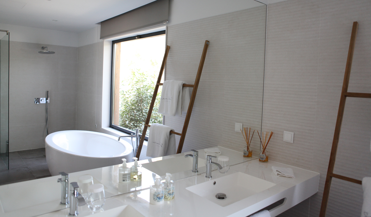 Light and bright modern bathrooms
