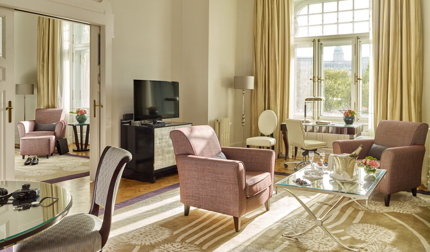 Four Seasons Gresham Palace offers luxurious living in an unrivaled location