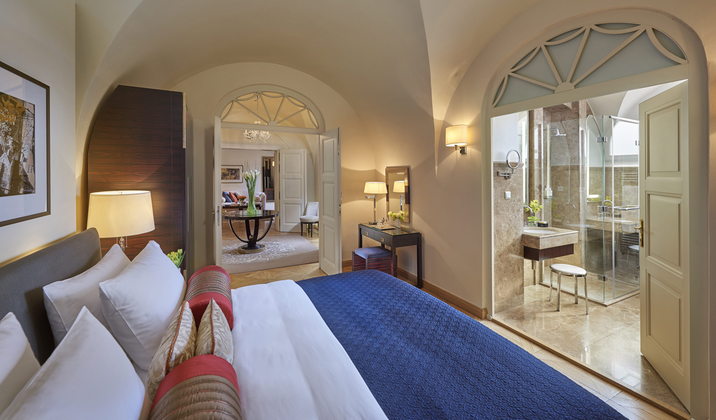 Live like Royalty in the Presidential Suite
