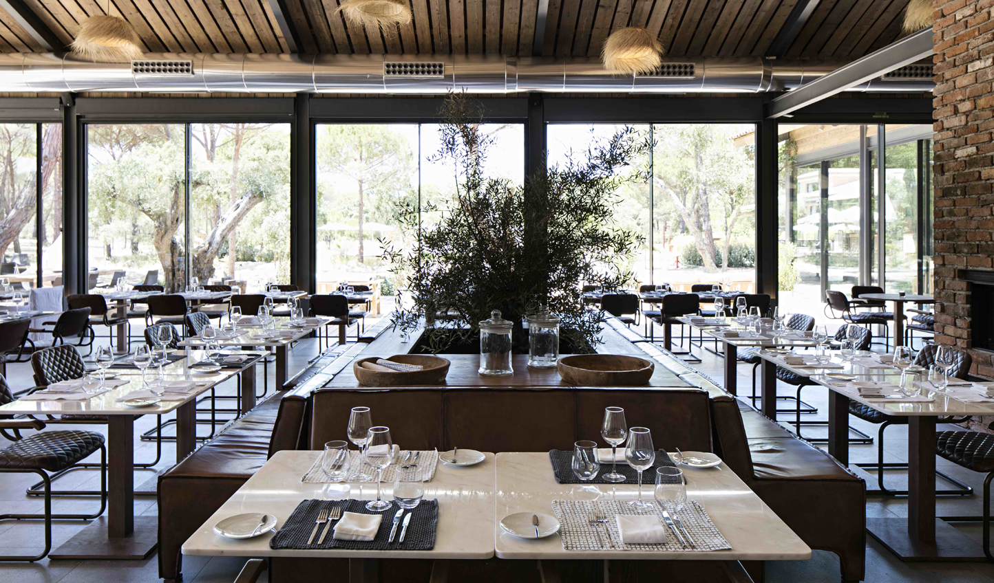 Enjoy fresh, seasonal cuisine at Sem Porta Restaurant