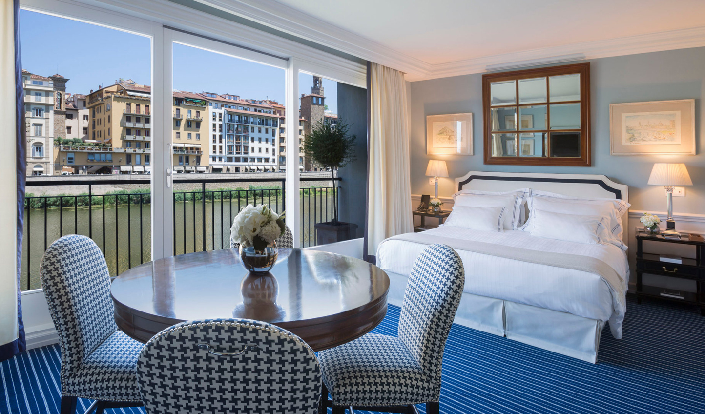 Elegant suites boasting beautiful views over the Arno River