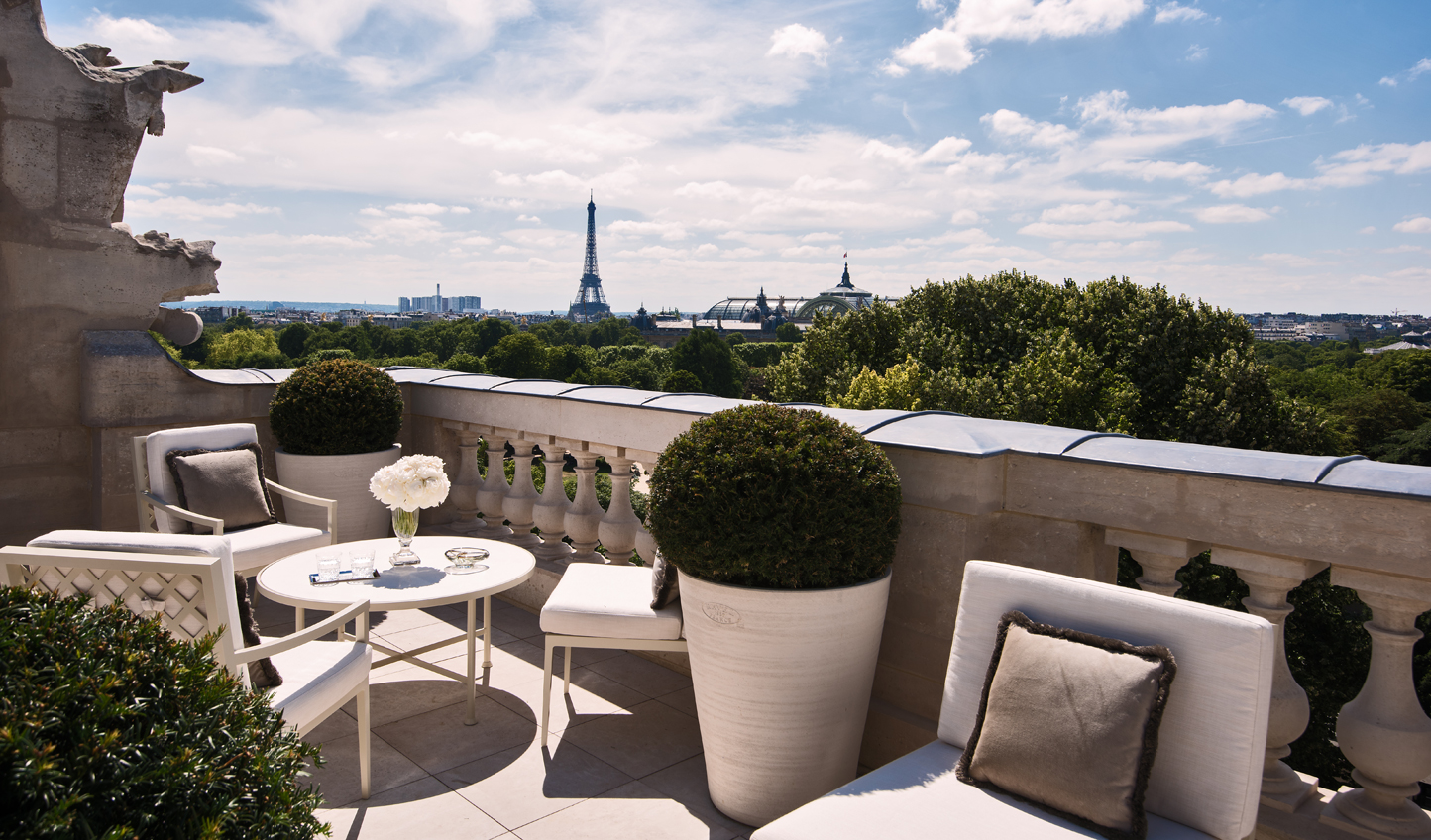 Settle into Suite Bernstein and enjoy postcard-perfect views of the city