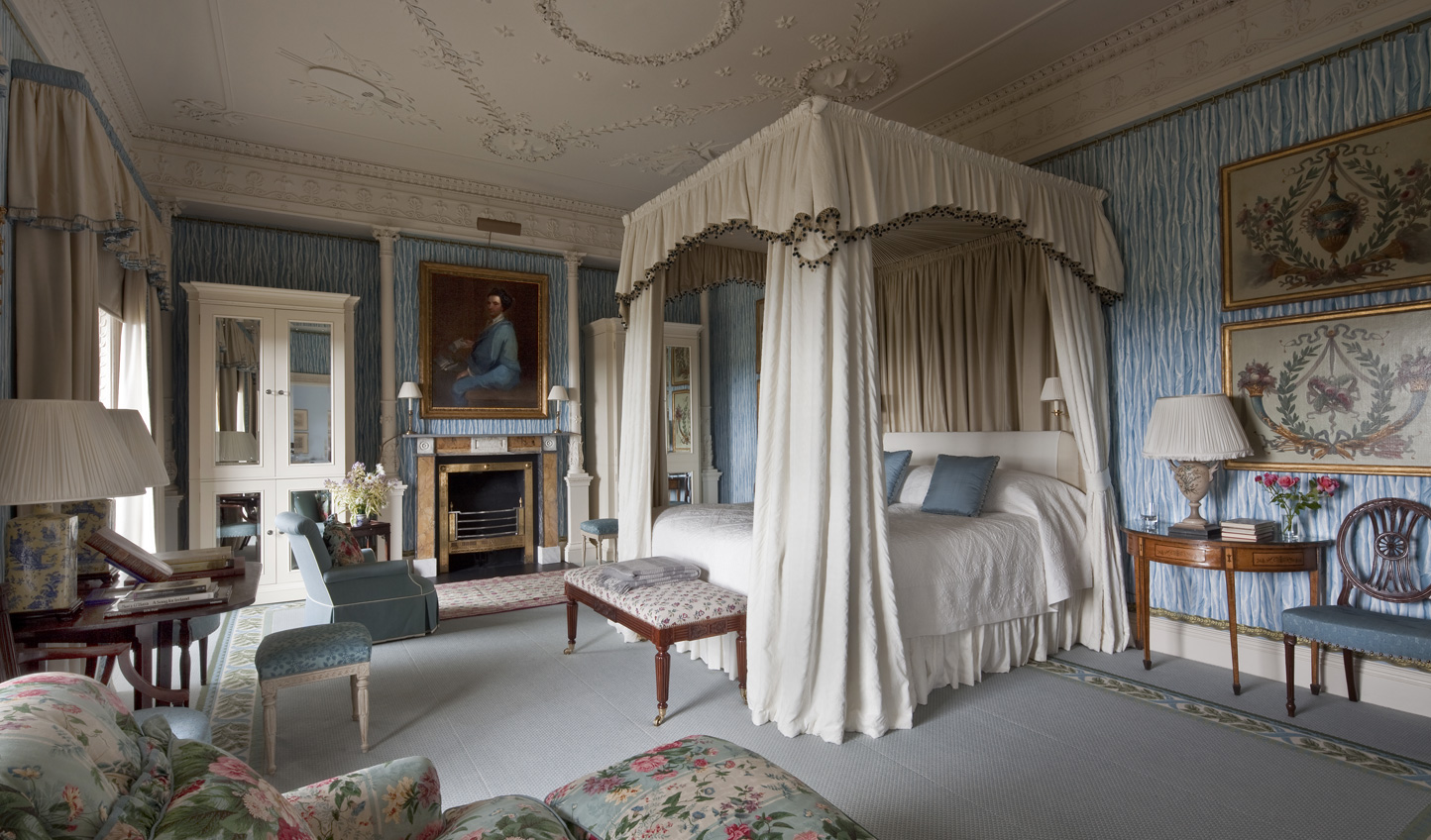 Sleep like royalty in a grand four poster bed
