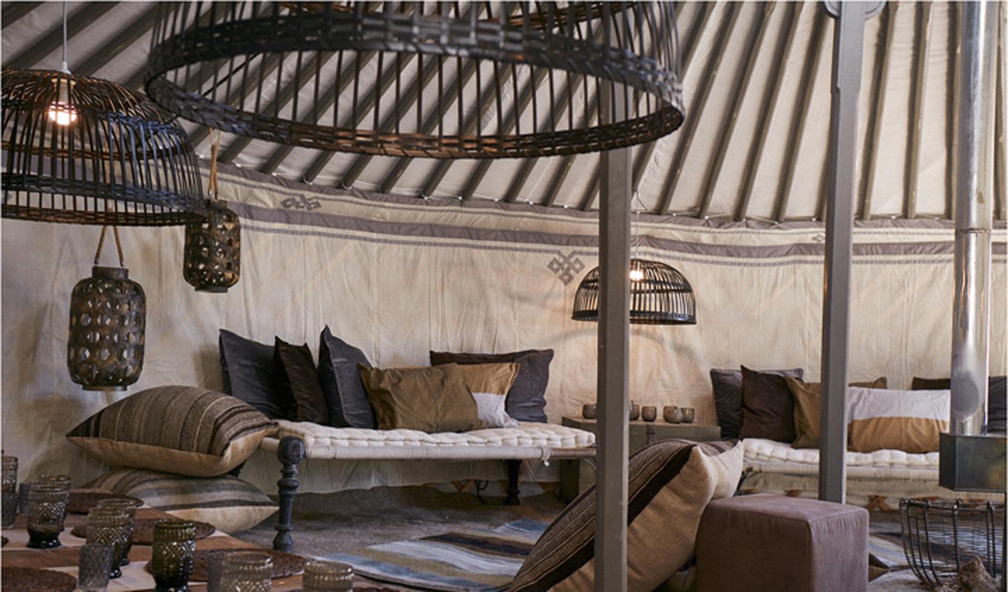 Chic-lounge-Yurt-tents-Boli