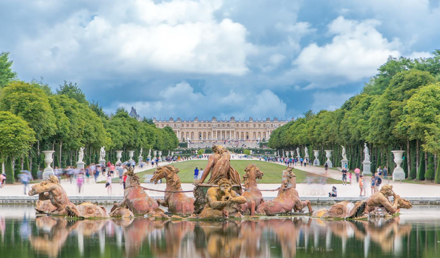 Versailles_779140384