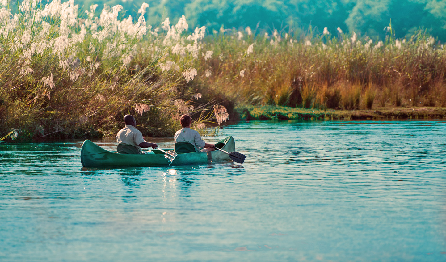 Discover the Lower Zambezi by canoe