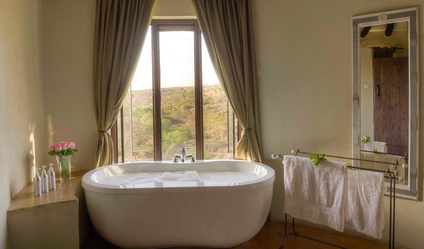 Bubble baths and views of Nairobi National Park