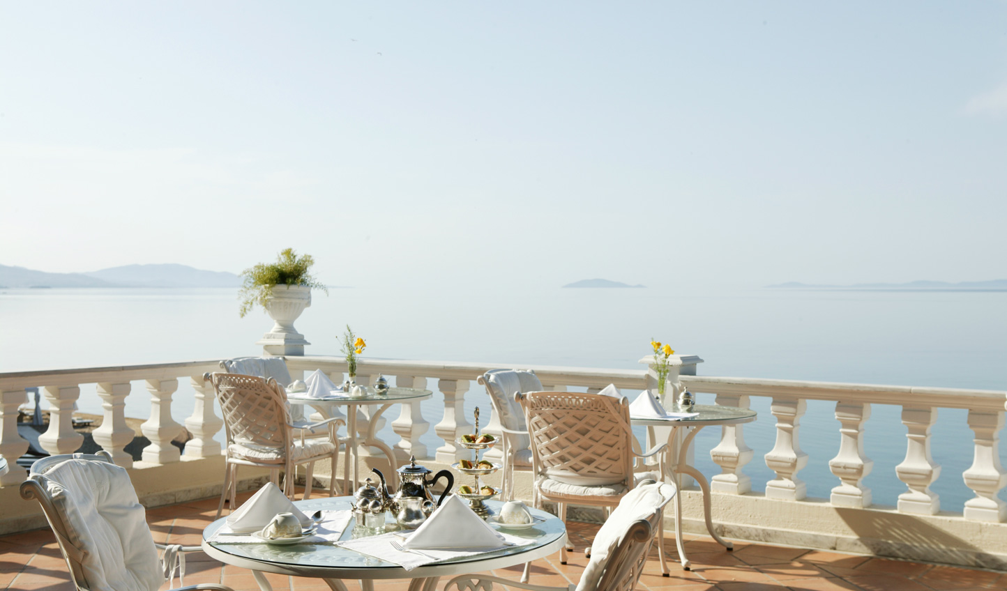 Breakfast with a view on the terrace