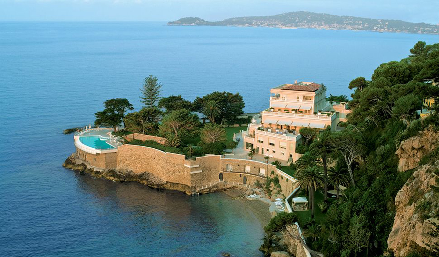 End your trip on a high at the romantic Cap Estel