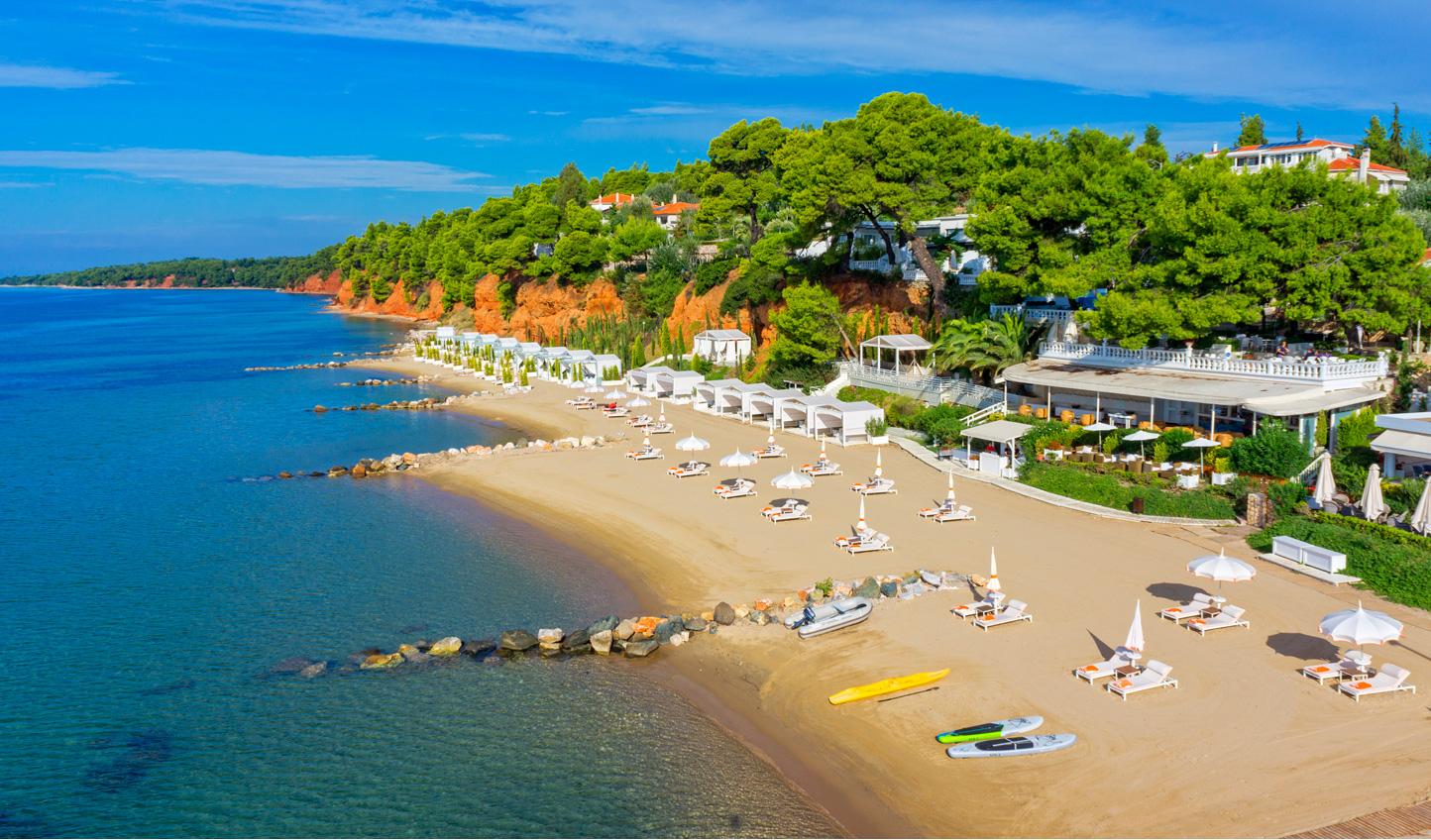 Make the most of Danai Resort's beautiful private beach