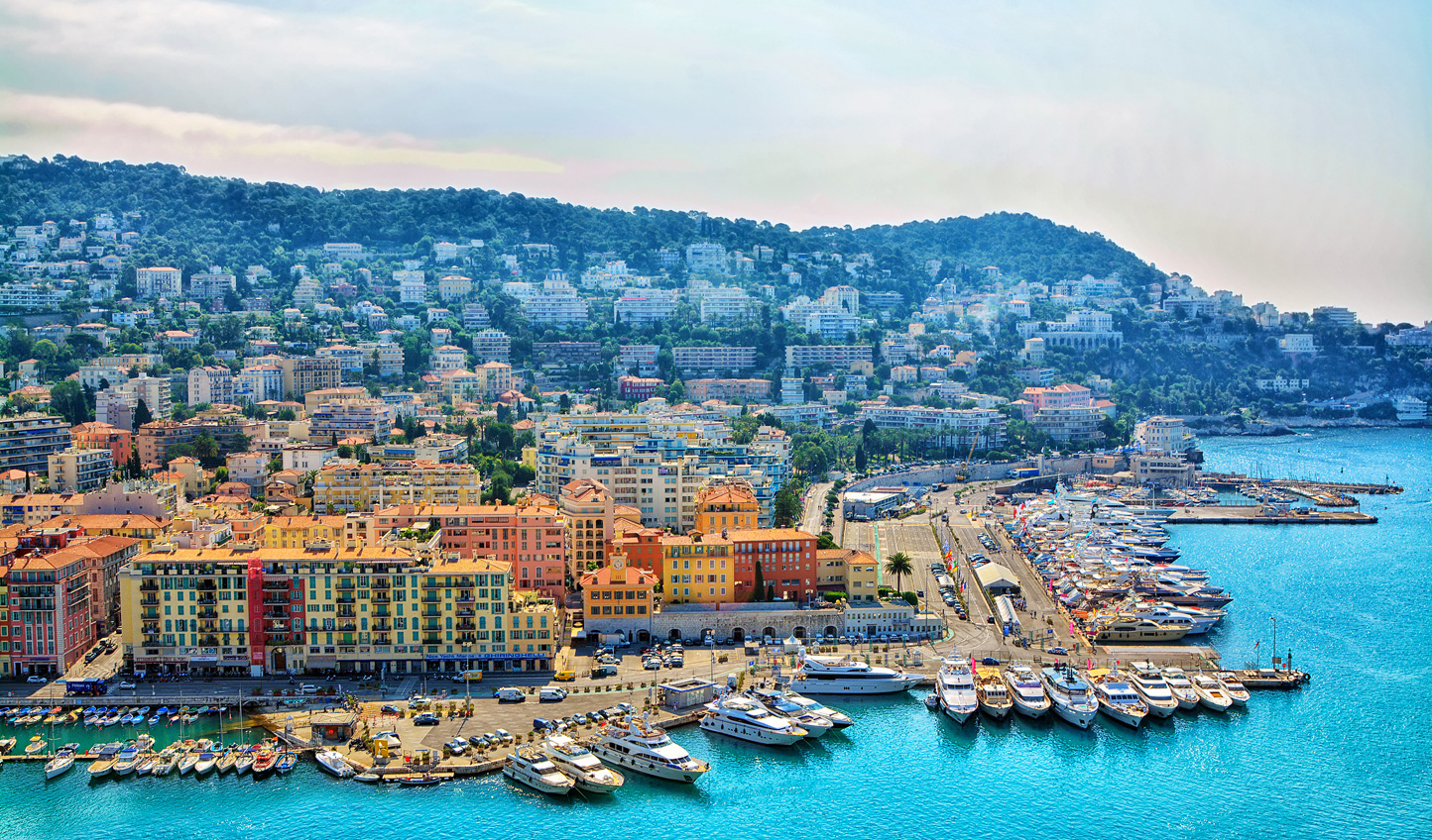 The wonderful view of Nice that you will see from your yacht