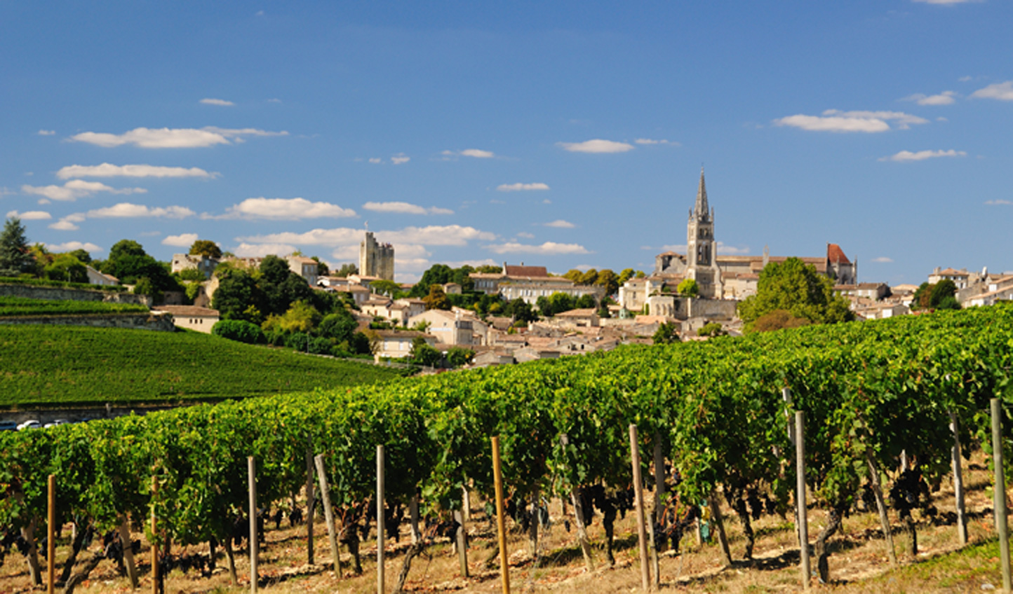 Visit the historic town of Saint Émilion and have your first wine tasting session