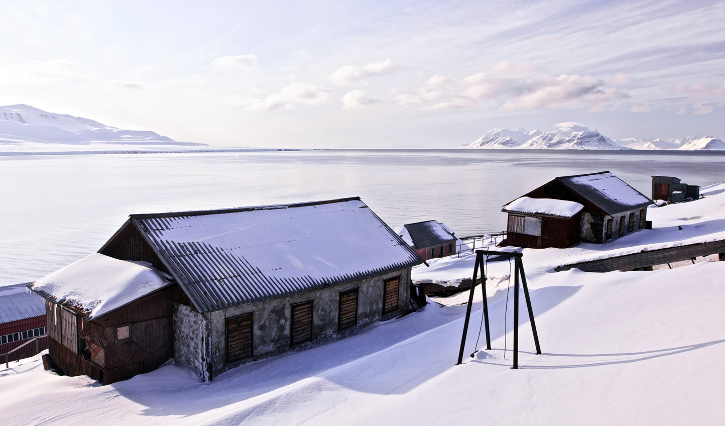 Swing by the Russian settlement at Barentsburg