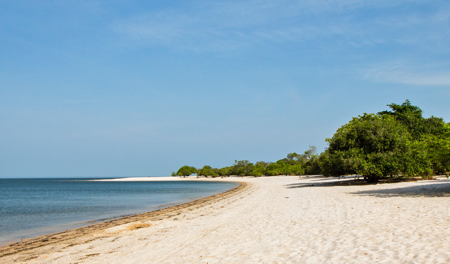 Discover pristine white beaches, lining the banks of the Tapajos River