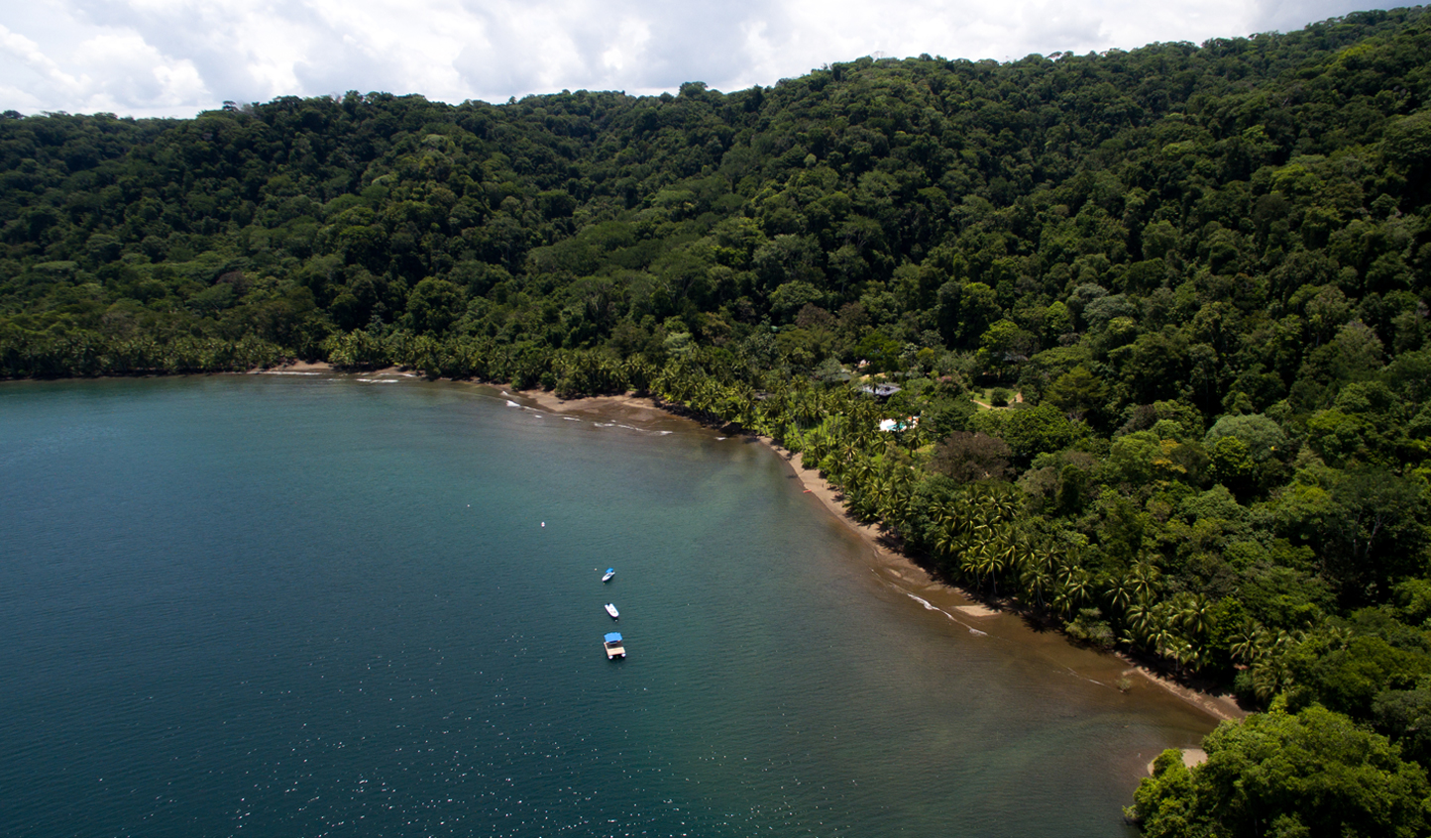 The lodge is completely secluded in a calm, southern bay