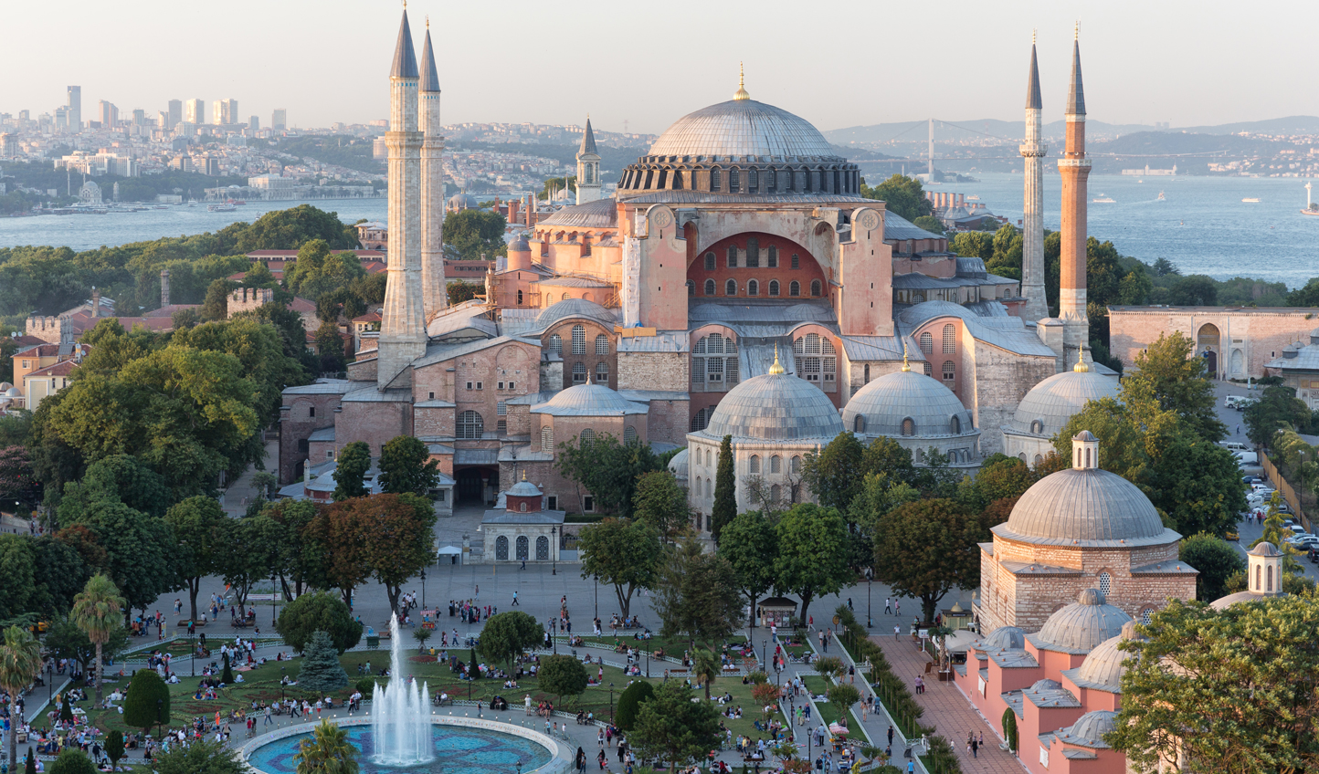 An architectural icon the world over, feast your eyes on the Aya Sofya