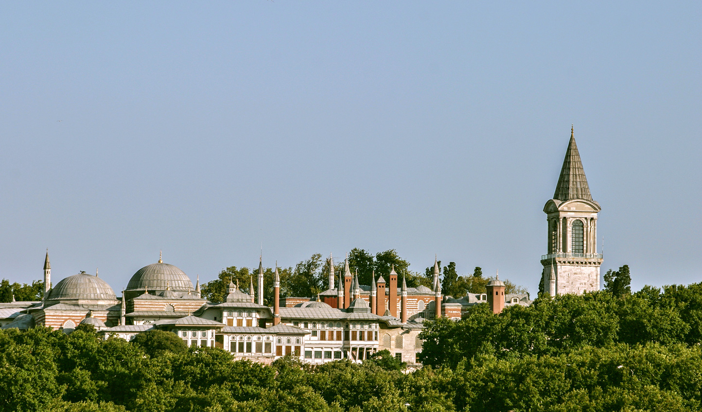 Soak up views over the city from Topkapi Palace