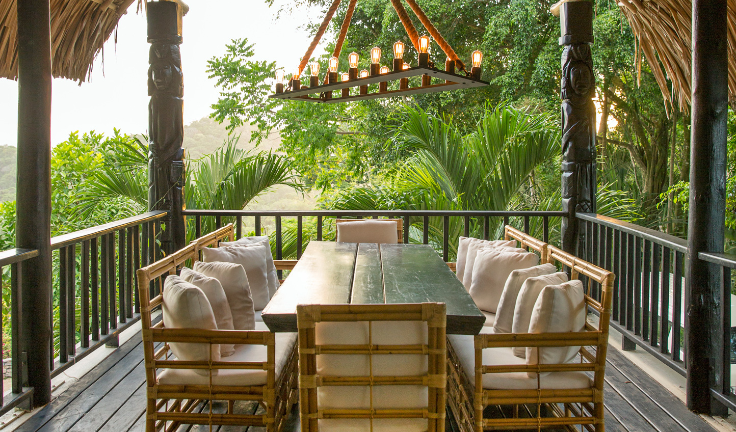 Dine amid the jungle canopy