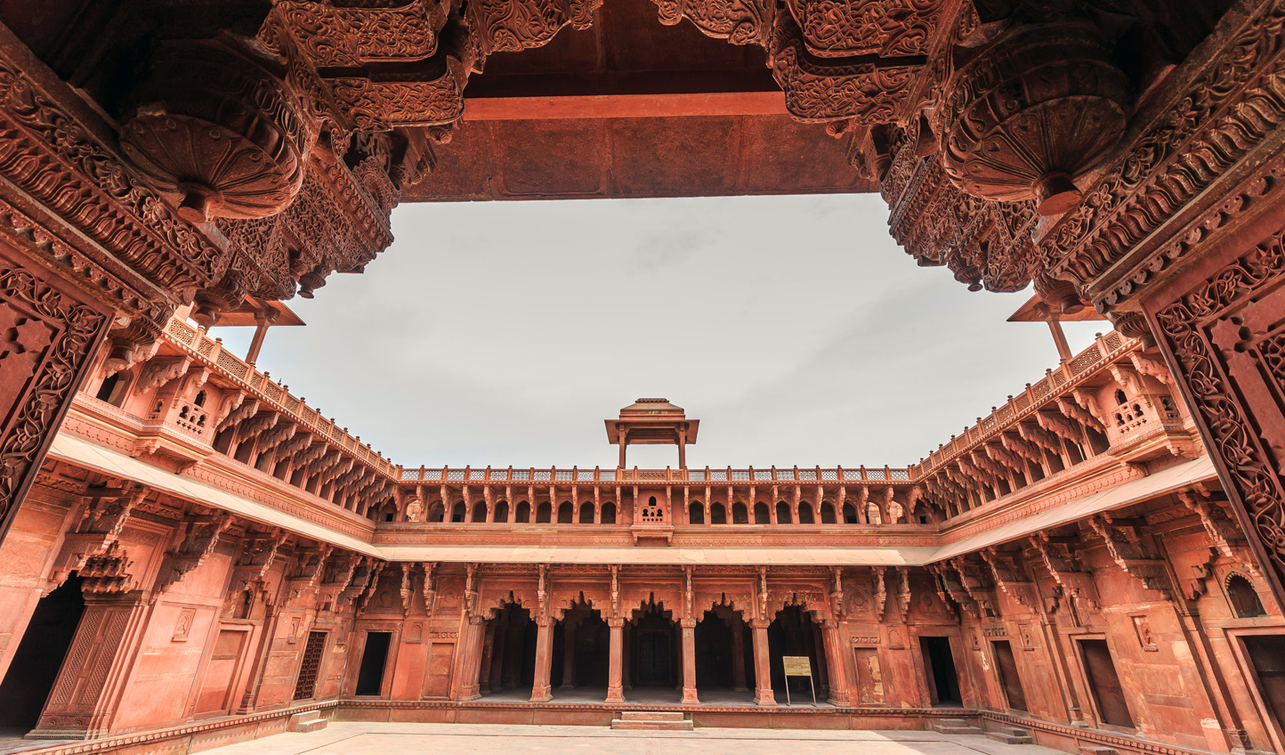 Explore the architectural wonder of Agra Fort on a private tour