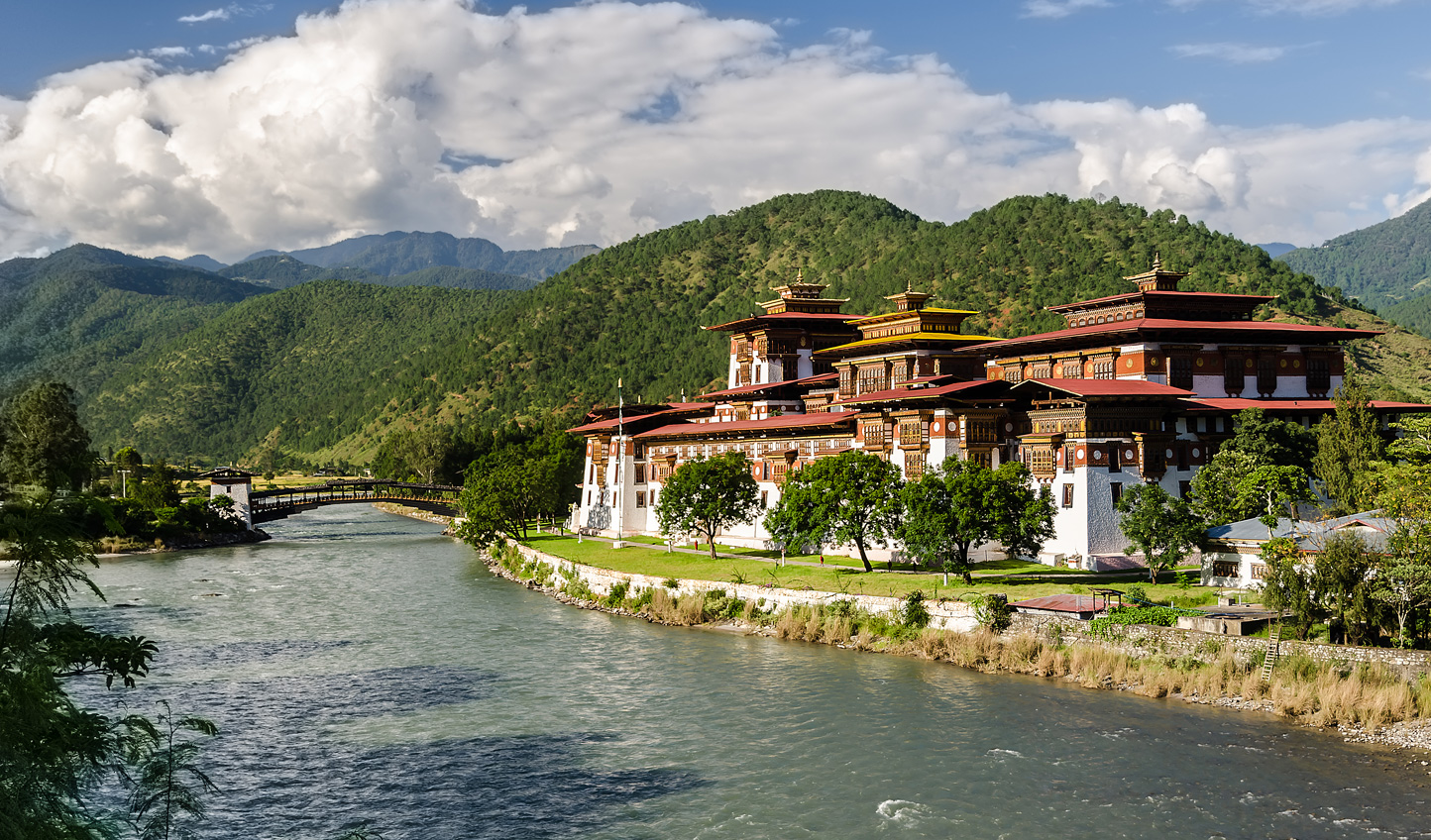 Raft down the Mo Chhu River for lunch overlooking Punakha Dzong