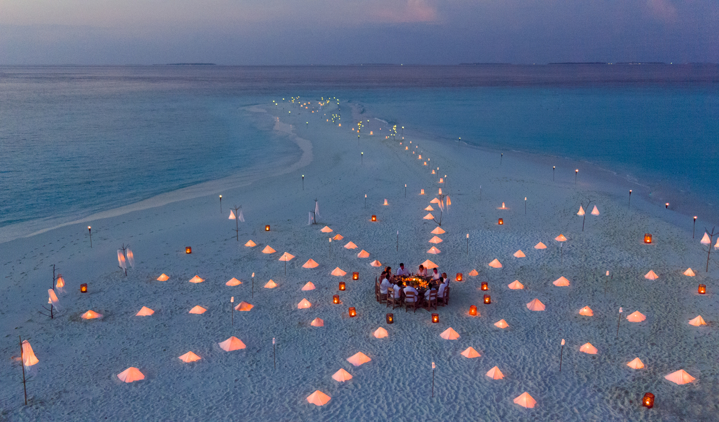 With just the stars and the sea for company, dine in total privacy on a sandbank