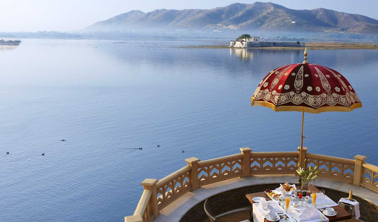 Wake up to a morning breakfast with some spellbinding views
