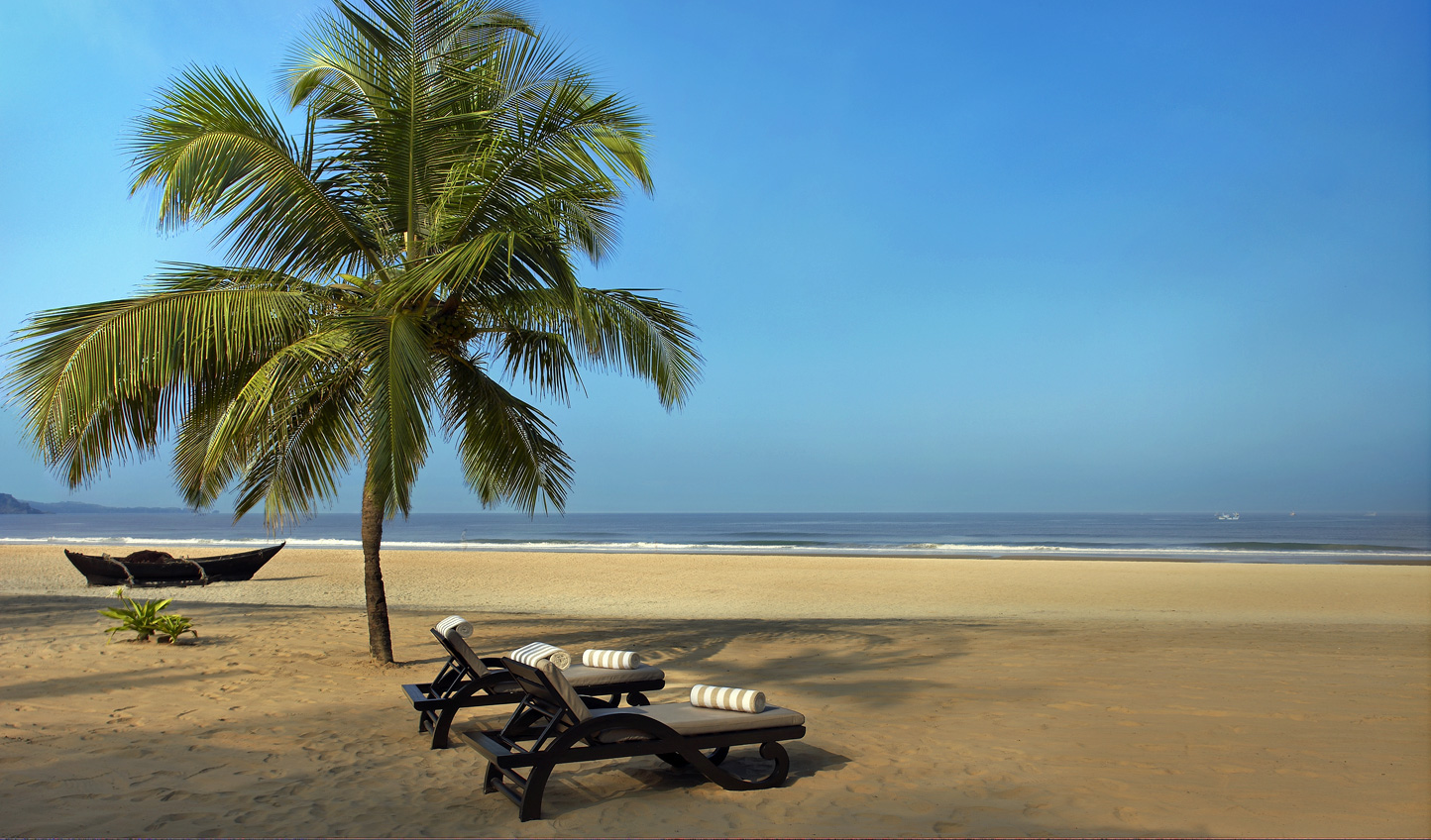 Spend a few days relaxing on the sundrenched beaches of Goa