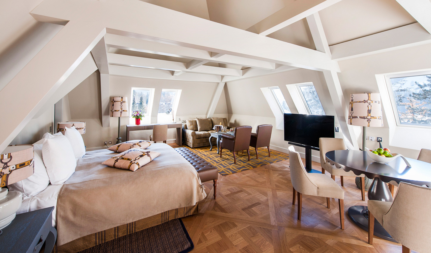 Hide up in the eaves and among the stars in Suite Etoile