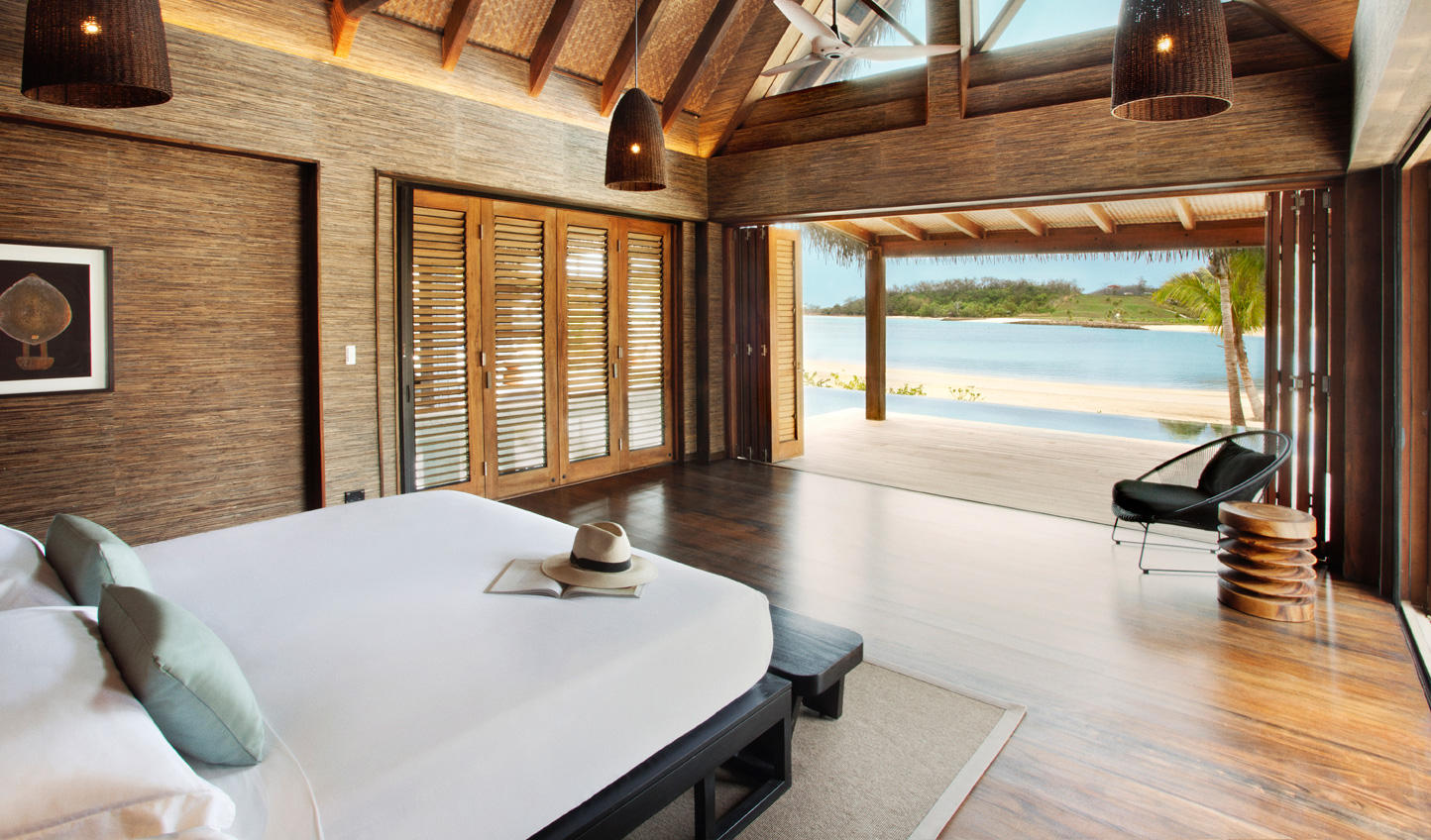 Wake up to all-encompassing ocean views