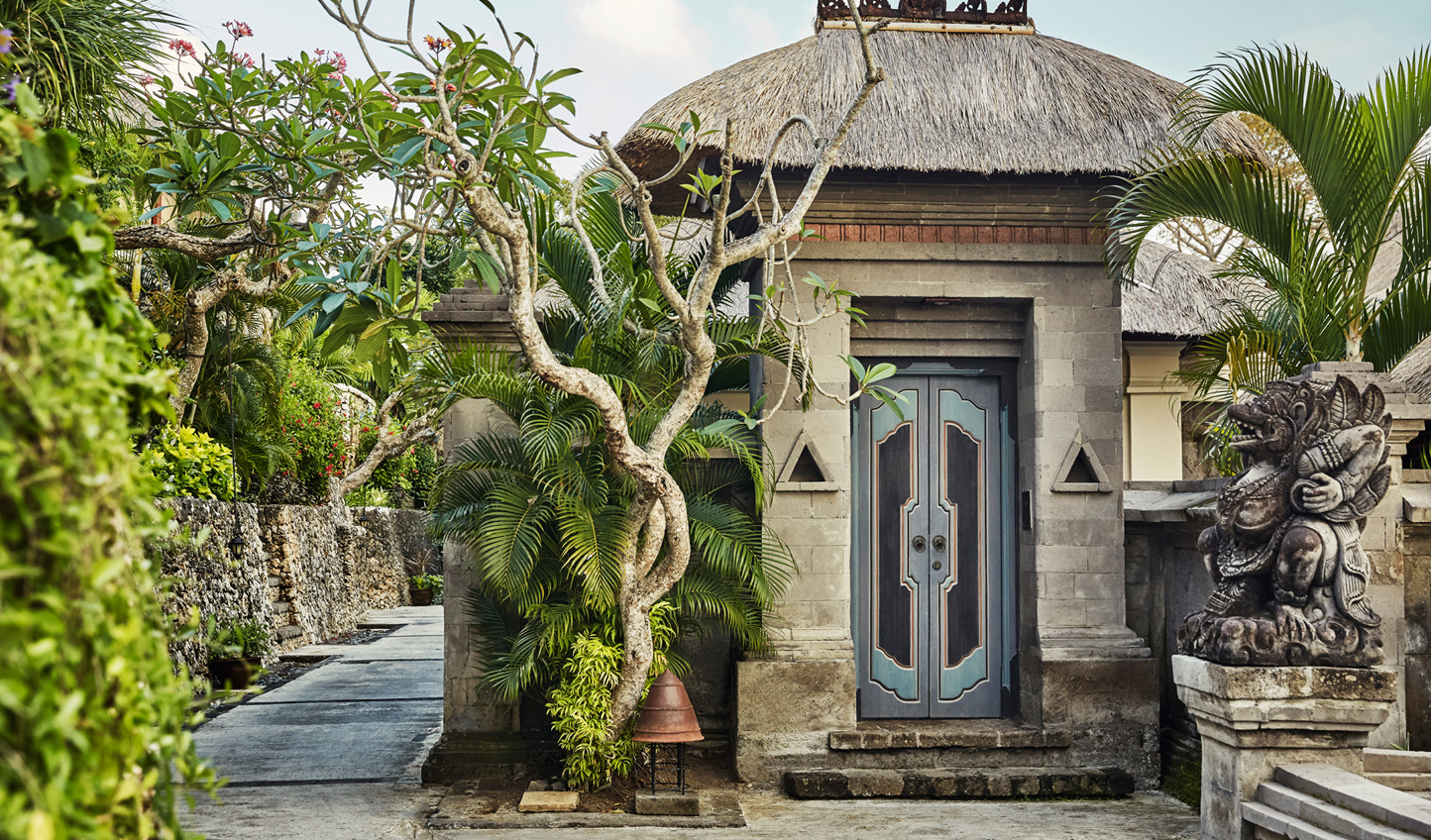 Rooted in Balinese heritage, the villas of Four Seasons Jimbaran Bay feel part of a traditional village