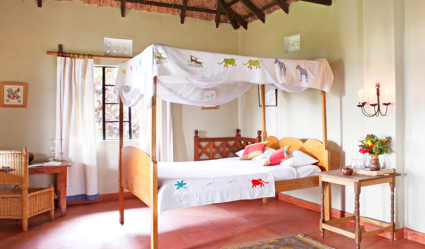 Rustic luxury in the honeymoon banda
