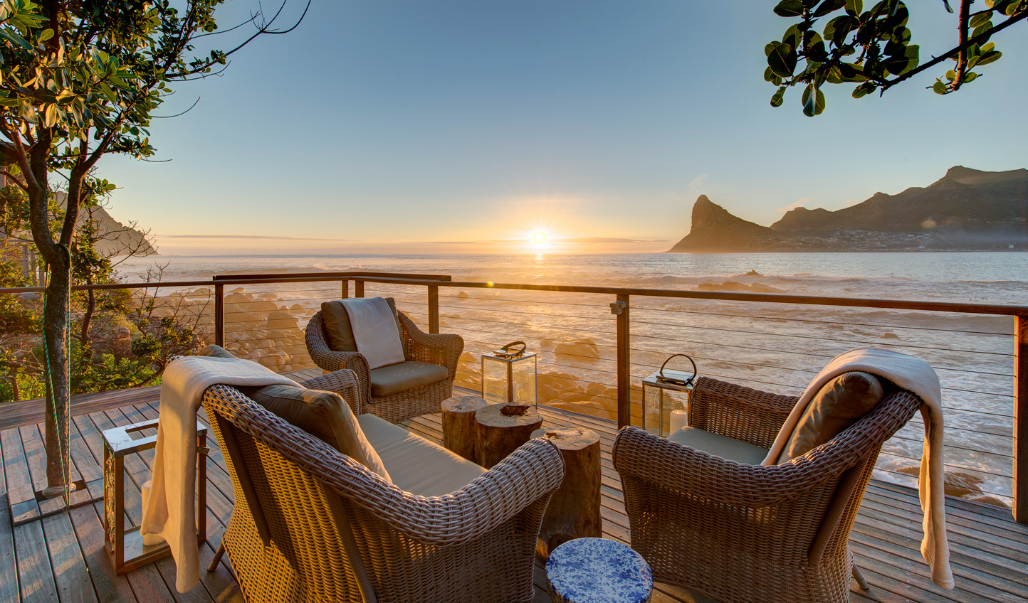 Settle in for sundowners at Tintswalo