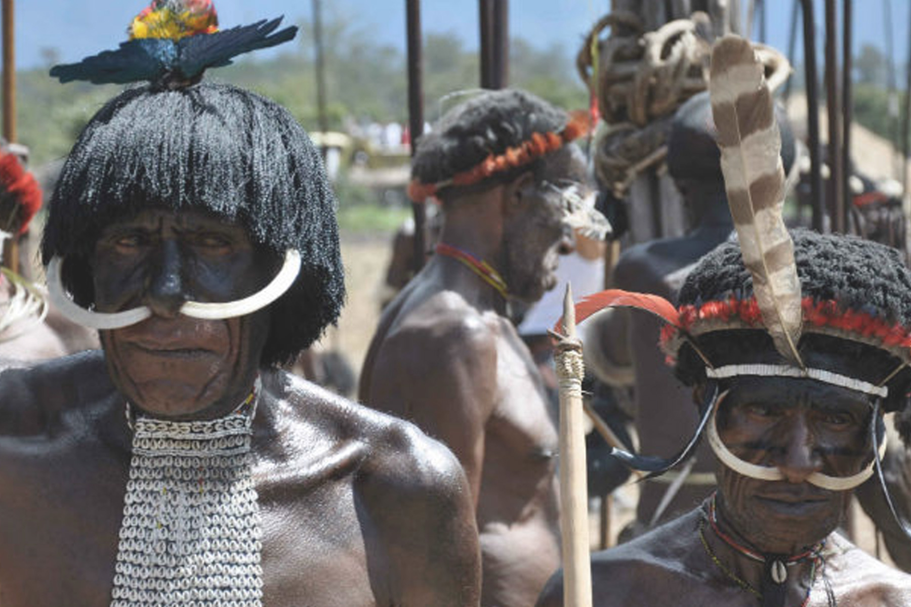 Discover remote tribes in Papa New Guinea