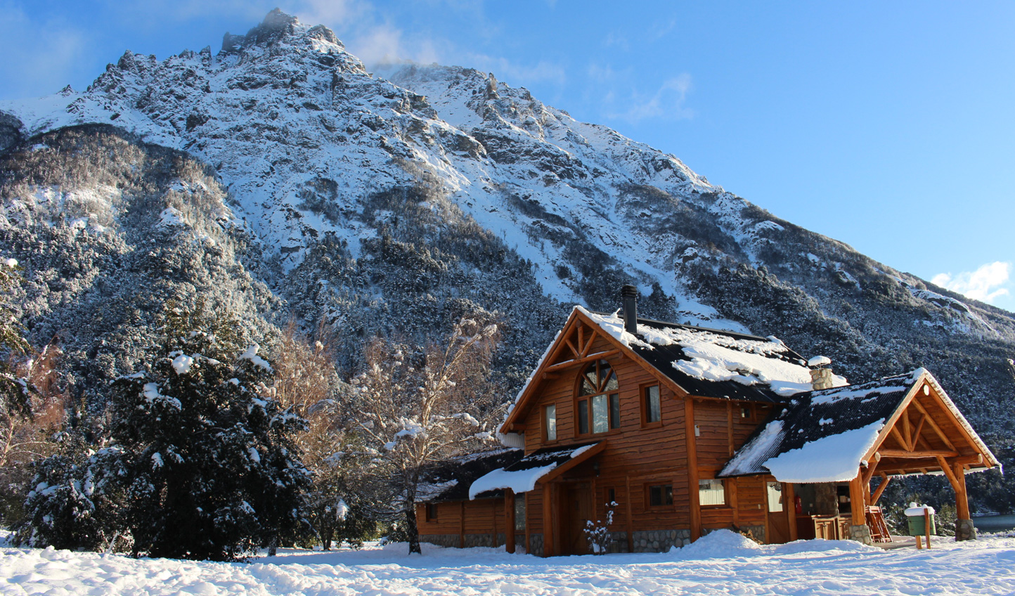Wooden cabins with traditional designs and cosy fireplaces