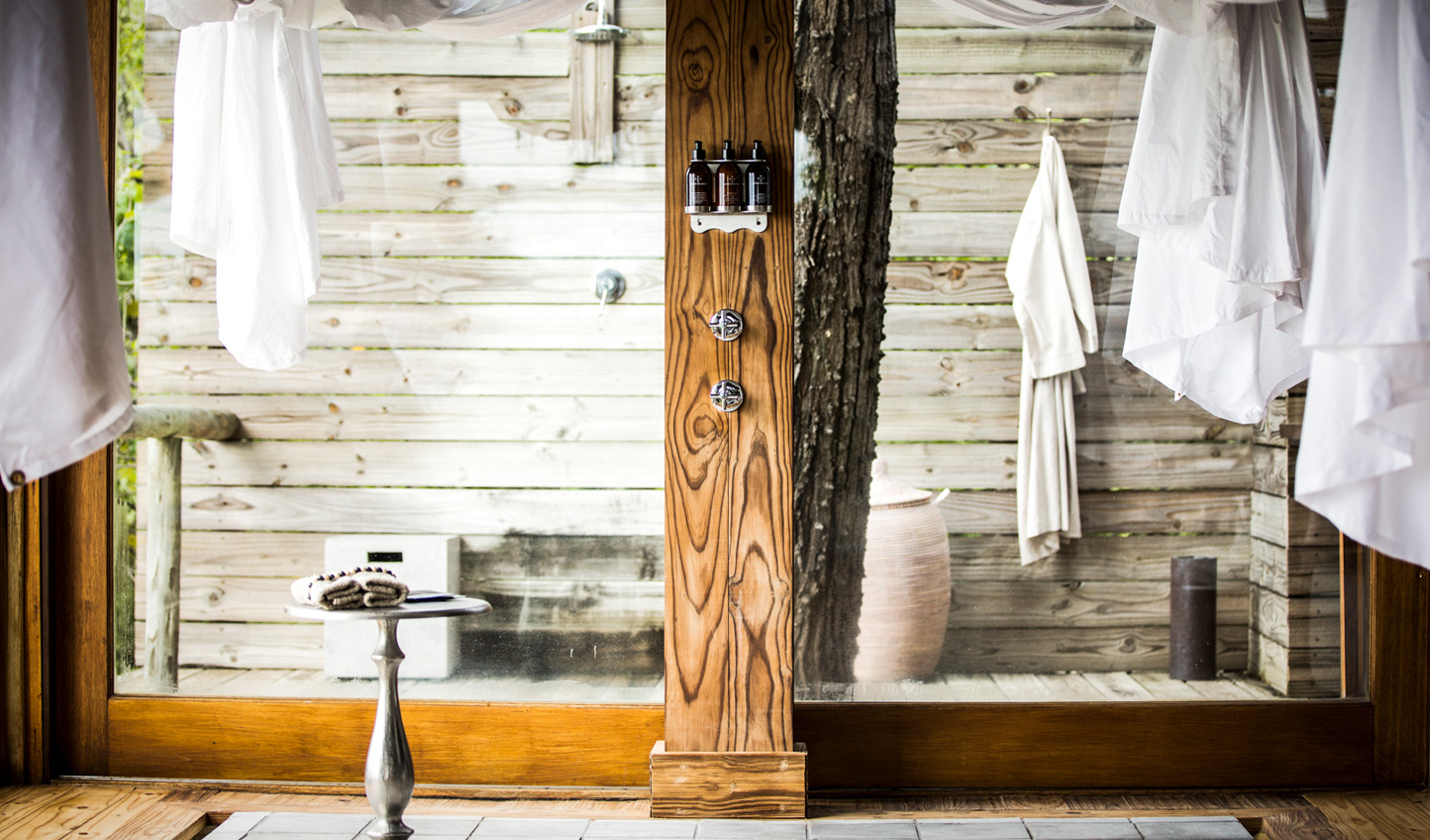 Indoor and outdoor showers allow you to get in touch with nature