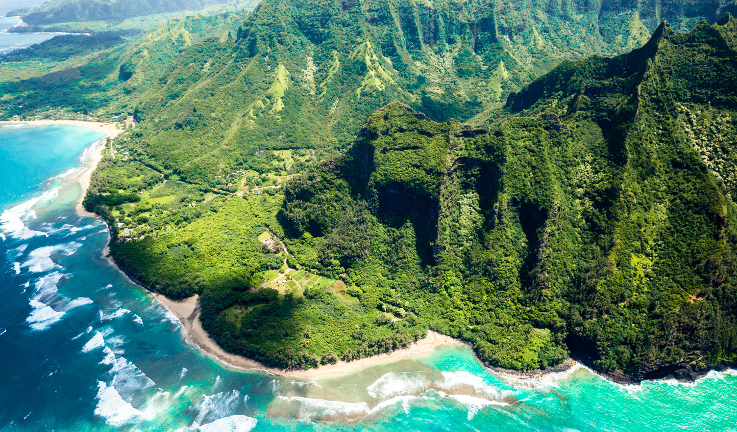 Explore Hawaii's adventure-packed coastlines