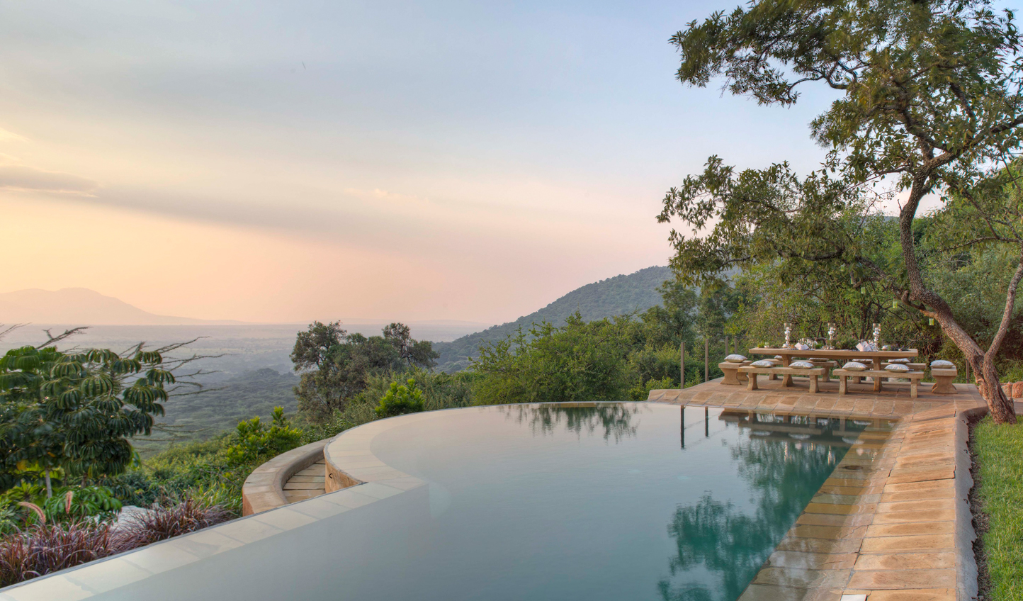 Make yourself at home in the Bush Villa and enjoy views across the plains from the infinity pool